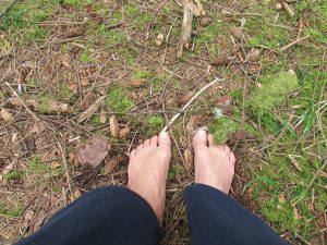 Earthing photo - bare feet on the ground